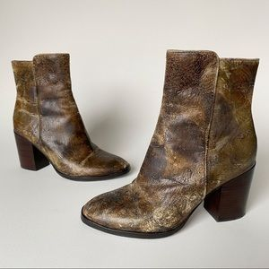 DONALD J PLINER Sonoma Distressed Leather Boot 6.5